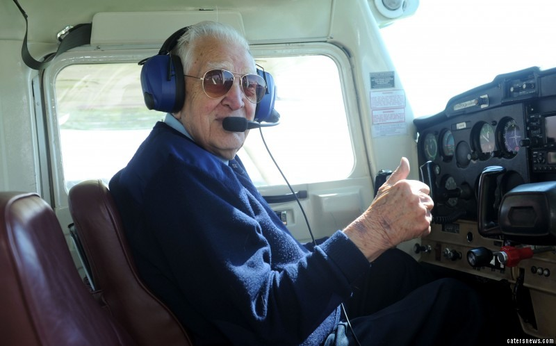 airplane pilot old bold
