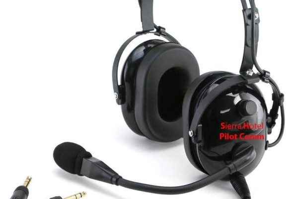 Aviation Headset Sierra Hotel Pilot Comm, Flight Training for pilot use noise cancelling.